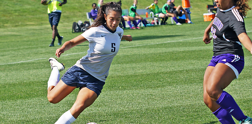 Camila Parra's first goal of 2016 ended the game with just two minutes left in the second overtime